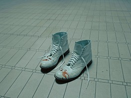 at-the-knick-bloody-shoes
