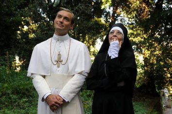 the-young-pope-saison-1-une-serie-divine-2